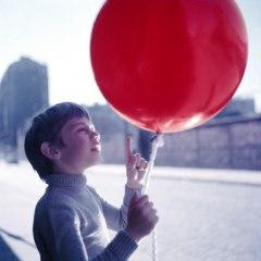 Filmfoto: Der rote Ballon