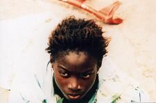 Filmfoto: Die kleine Verkäuferin der Sonne